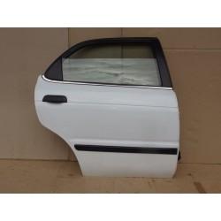 Pravé zadní dveře Suzuki Baleno combi